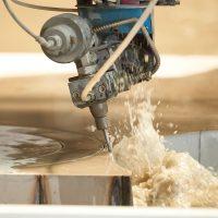 waterjet tehnologia de debitare cu jetul de apa