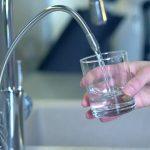 Beneficiază de o apă pură folosind filtru apa UV