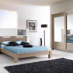 Amenajează dormitorul cu mobilă din lemn masiv de colecție