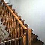 Scara interioară din lemn este un reper important al casei tale
