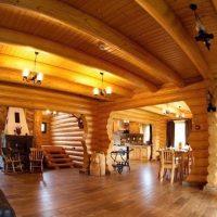 interior cabana busteni lemn rotund