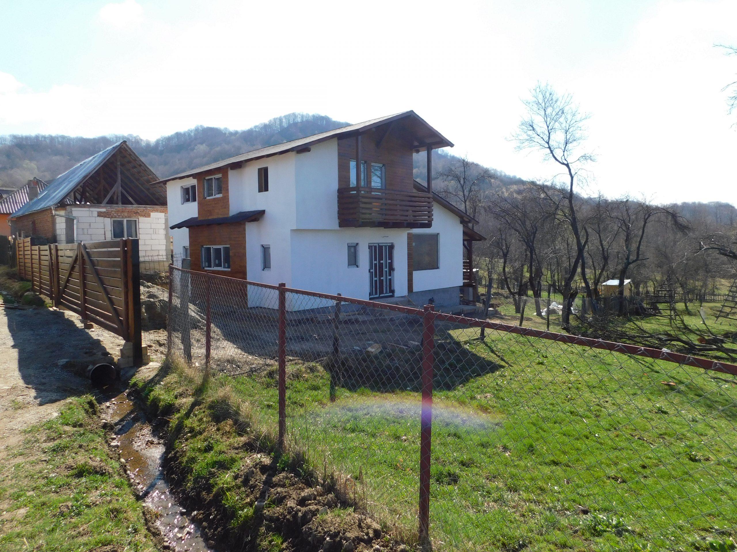 Case din lemn ecologice cu dotări moderne ce asigură confortul indiferent de anotimp